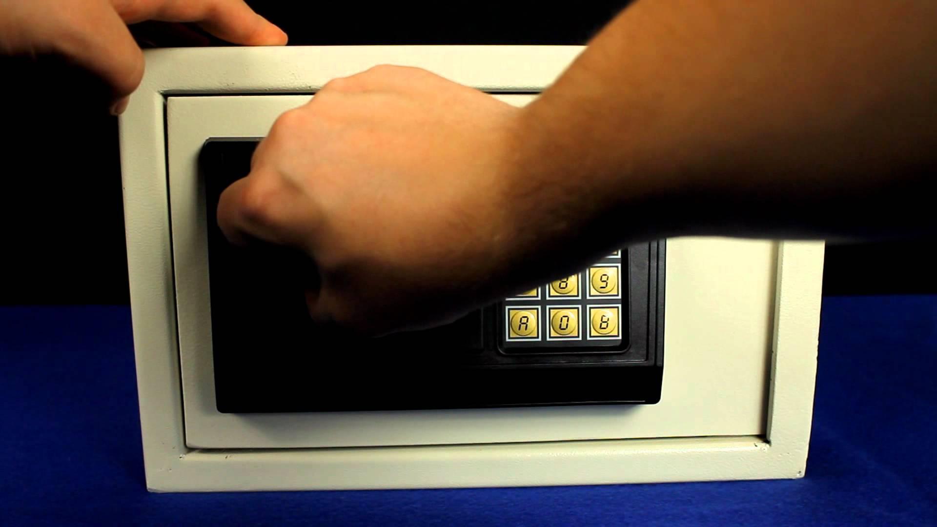 Safe öffnen – ohne Code und Schlüssel